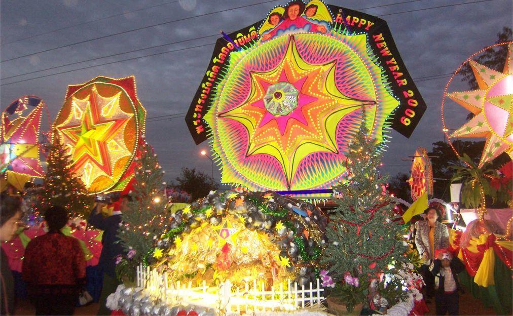 Парад Рождественские звезды в Сакон-Накхоне