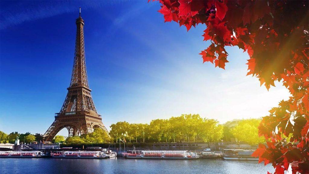 10 самых лучших отелей с видом на Париж