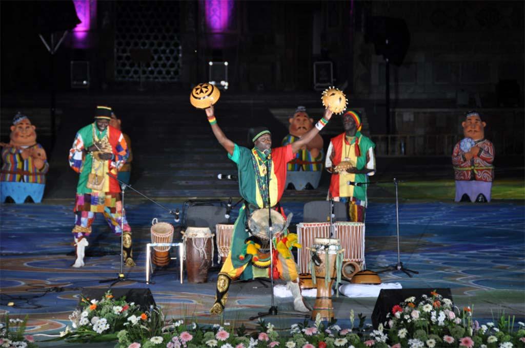Музыкальный фестиваль Шарк Тароналари в Самарканде