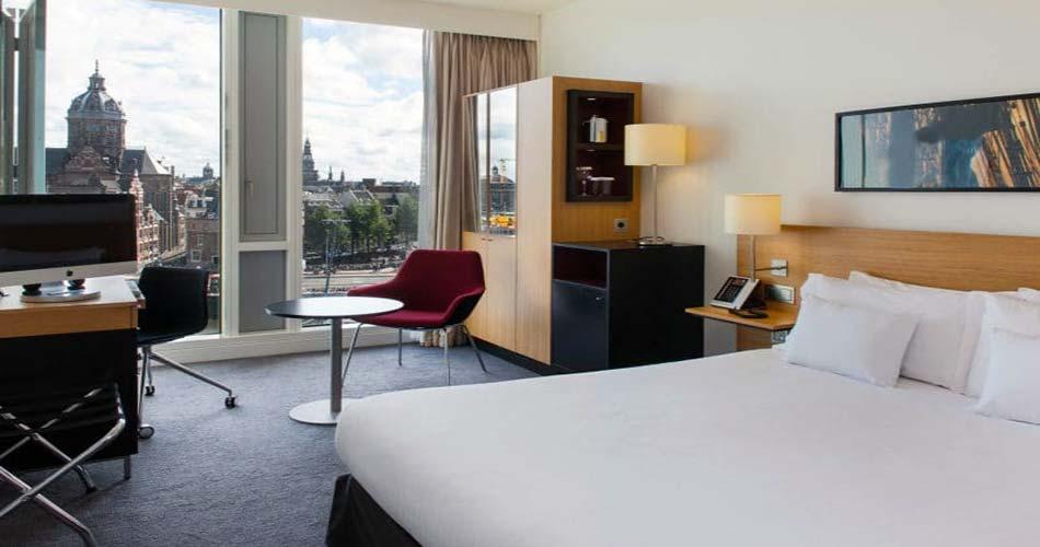 Зачетный комплекс с видом на Амстердам - DoubleTree by Hilton Amsterdam Centraal station