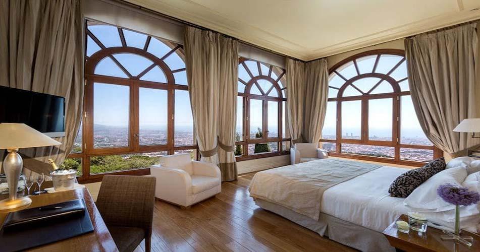Совершенный отель с видом на Барселону - La Florida