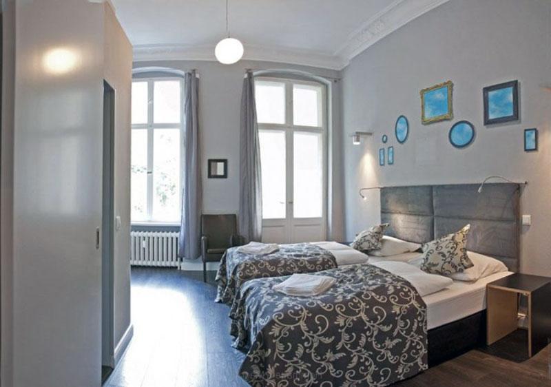 Недорогой бутик отель Берлина - HOMMAGE À MAGRITTE