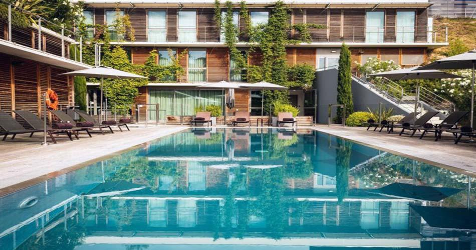 Привилегированный отель с видом на Монпелье - Courtyard