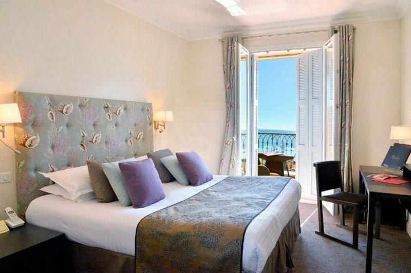 Наилучший романтический отель  в Ницце - La Pérouse