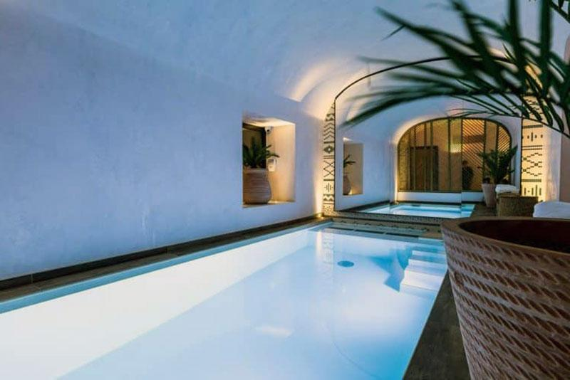 Волшебный романтический отель Парижа - LAZ