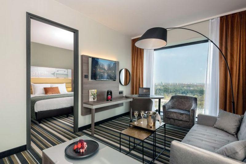 Изящный романтический отель Амстердама -Leonardo Royal
