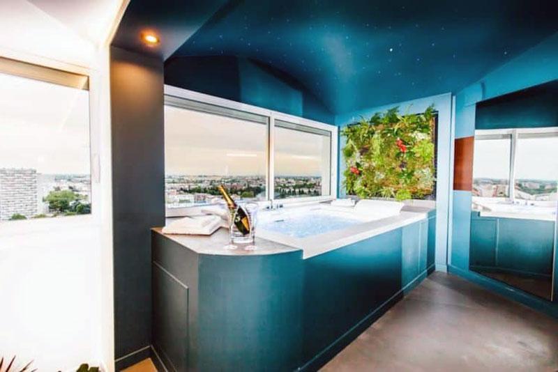 Неповторимый романтический отель Тулузы - Parenthèse Concept Room