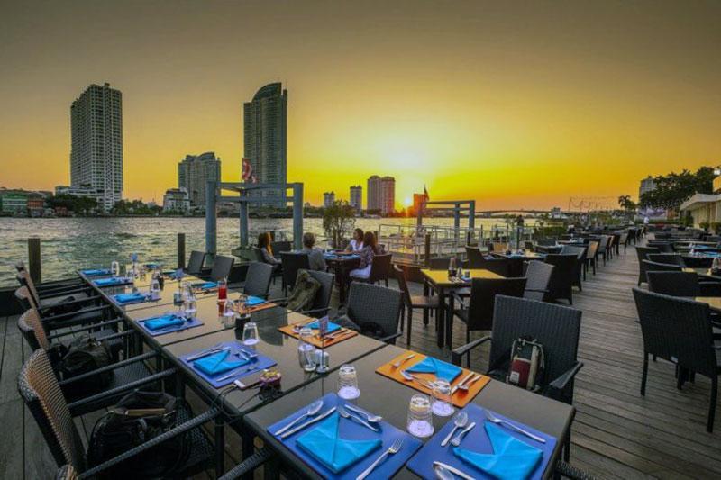 Современный отель с видом на Бангкок - Ramada Plaza by Wyndham Bangkok Menam Riverside