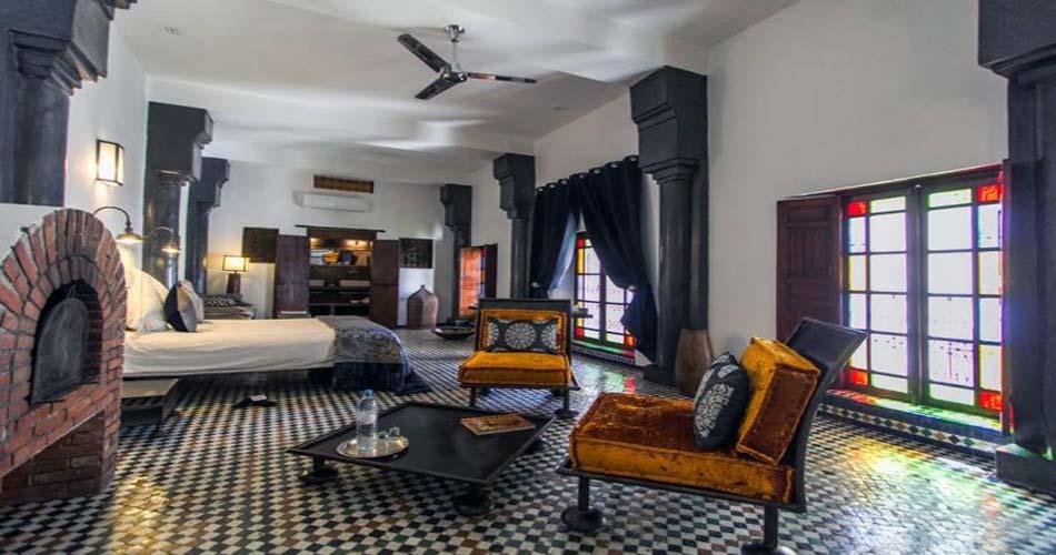 Один из лучших риадов для сна в Фесе - Riad Laaroussa