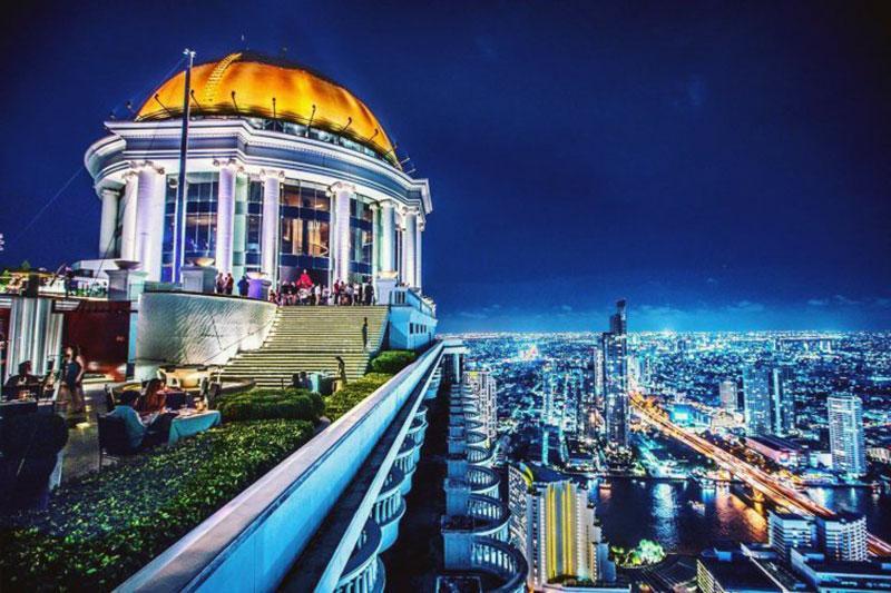 Неповторимый отель с видом на Бангкок - Tower Club Lebua