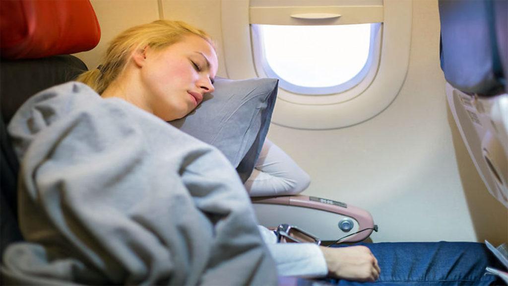 Как лететь с комфортом на борту самолета