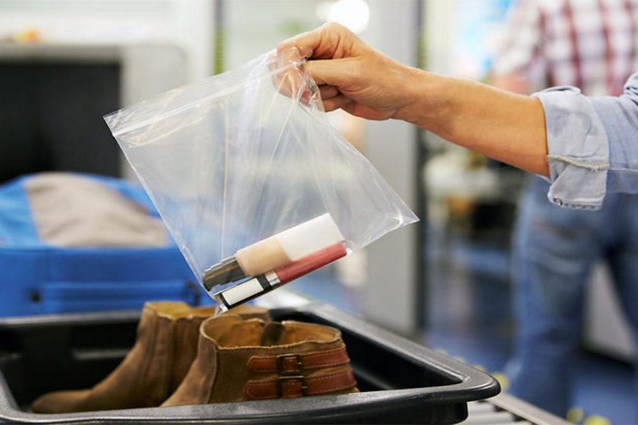 Перевозка жидкостей в салоне самолета