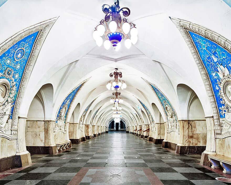 Экскурсия в метро Москвы