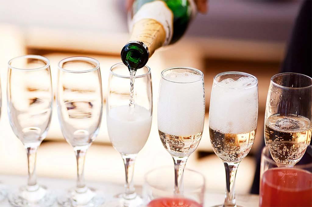 Всемирный день шампанского
