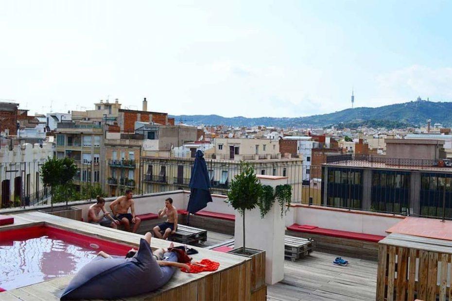 10 хостелов в Барселоне менее 15 евро