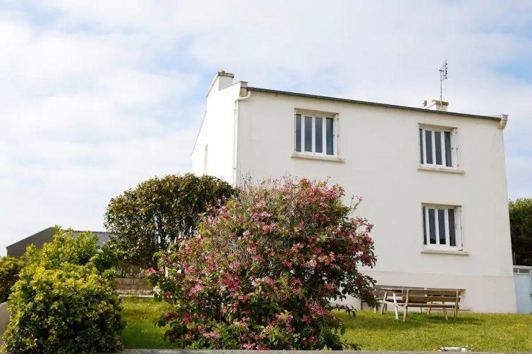 Где остановиться на острове Уэсан во Франции