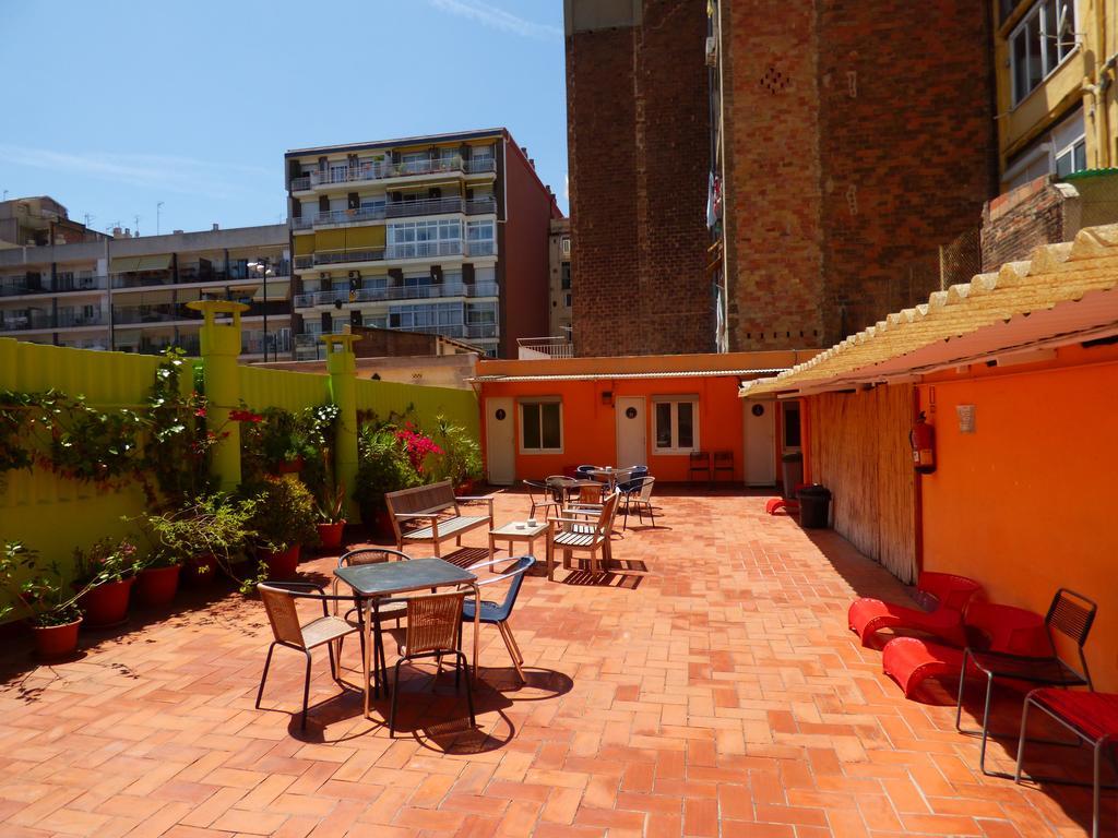 Хостел Paraiso Travelers (или Hostal Paraiso Barcelona) - хостел в Барселоне менее 15 евро