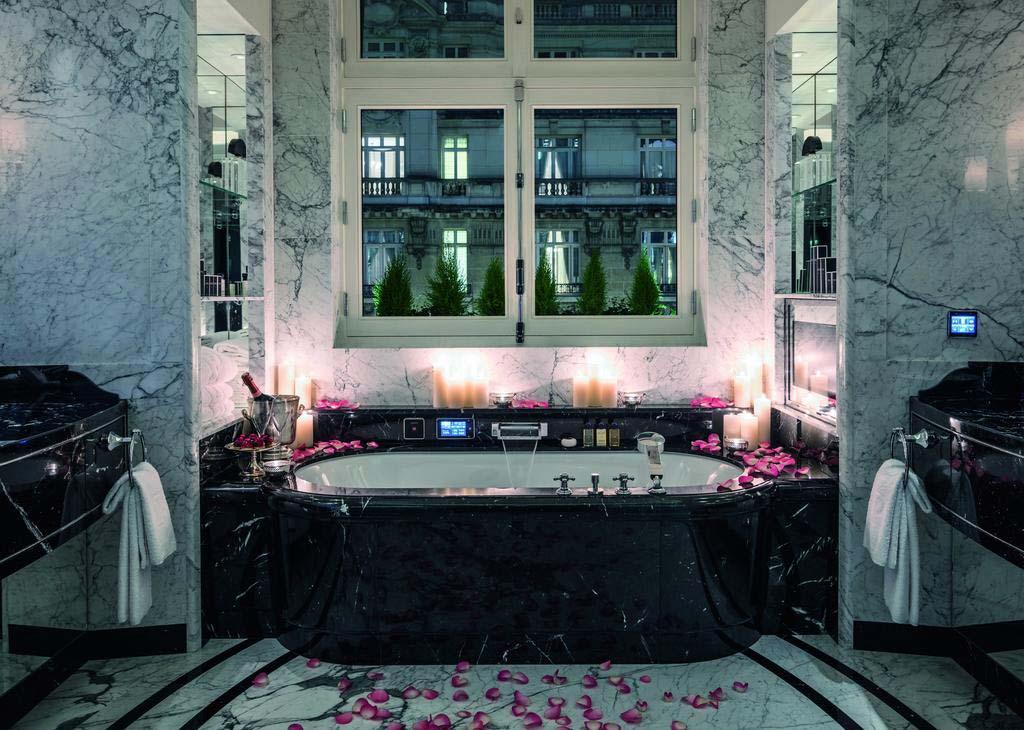 Элитный гостиничный комплекс Peninsula Paris