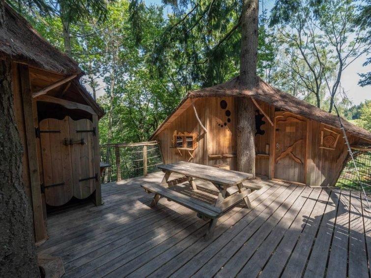 отель из домиков на деревьях в лесу de Labrousse, Ардеш