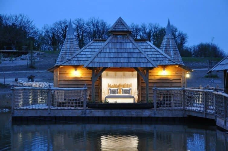 отель из домиков на воде - Dordogne