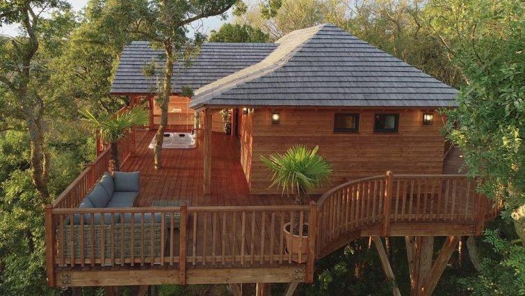 отель из домиков на деревьях с джакузи и сауной – Occitanie