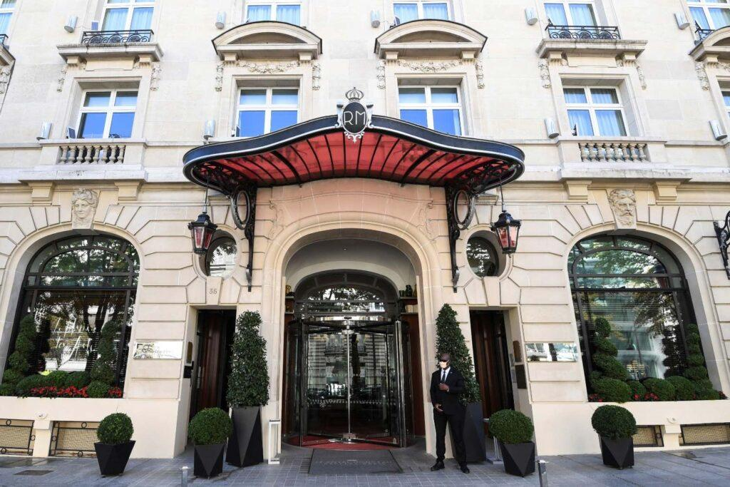7 парижских отелей дворцов, которые нельзя пропустить
