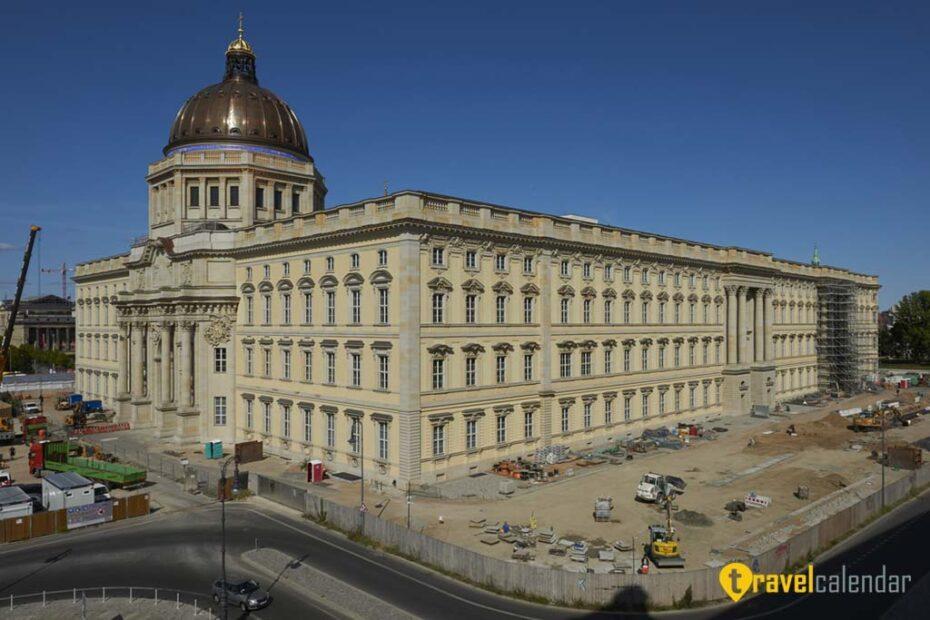 Германия - Берлин: открытие неоднозначного форума Гумбольдта в бывшем императорском дворце