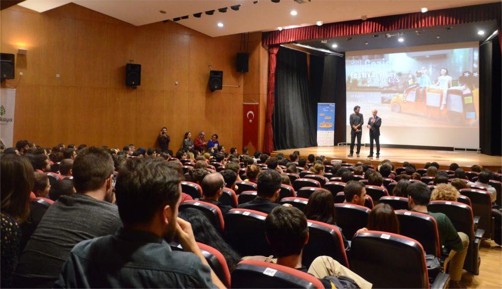 Фестиваль «Кино на колесах» в Турции 0369e6c5747a5ee8e10ea1bd36297a5a.jpg
