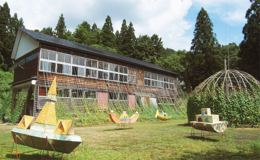 Триеннале современного искусства Echigo-Tsumari в Токамати 0493e0470941eaa476e343142c10cf72.jpg