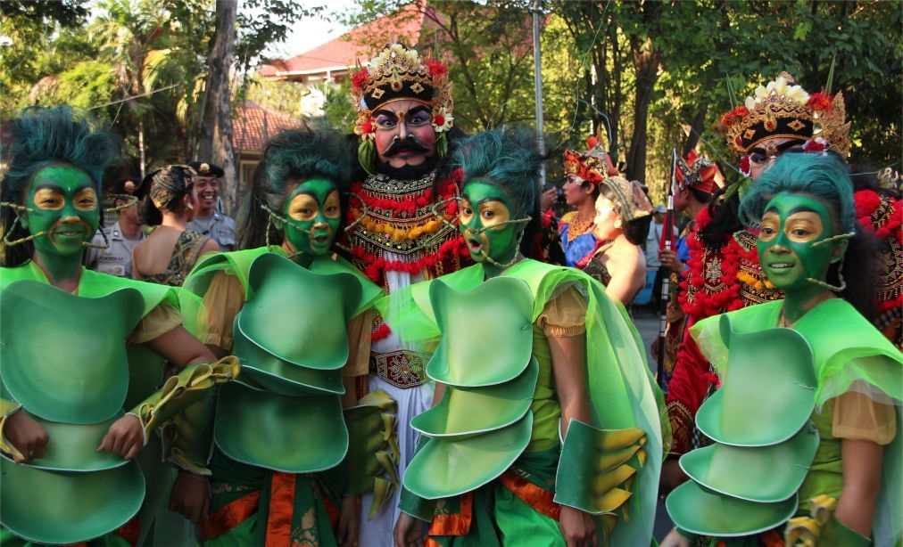 Фестиваль искусств Бали в Денпасаре 0b9e0cd21ac00cbdbbffcea0d6ab856a.jpg