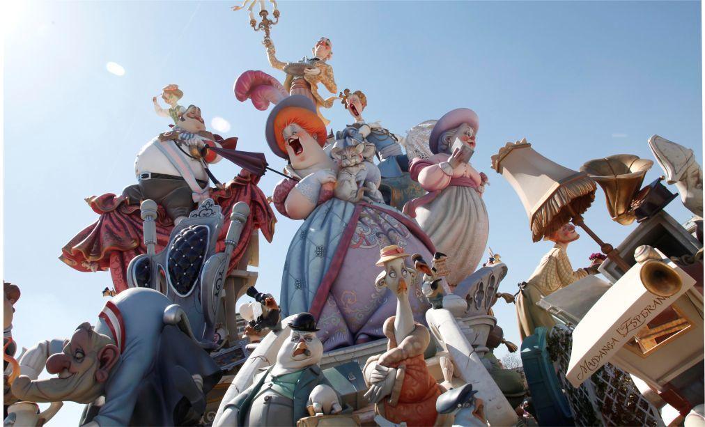 Фестиваль огня Лас Фальяс в Валенсии 0c9d87b86b6e30eb139f4309c430072d.jpg