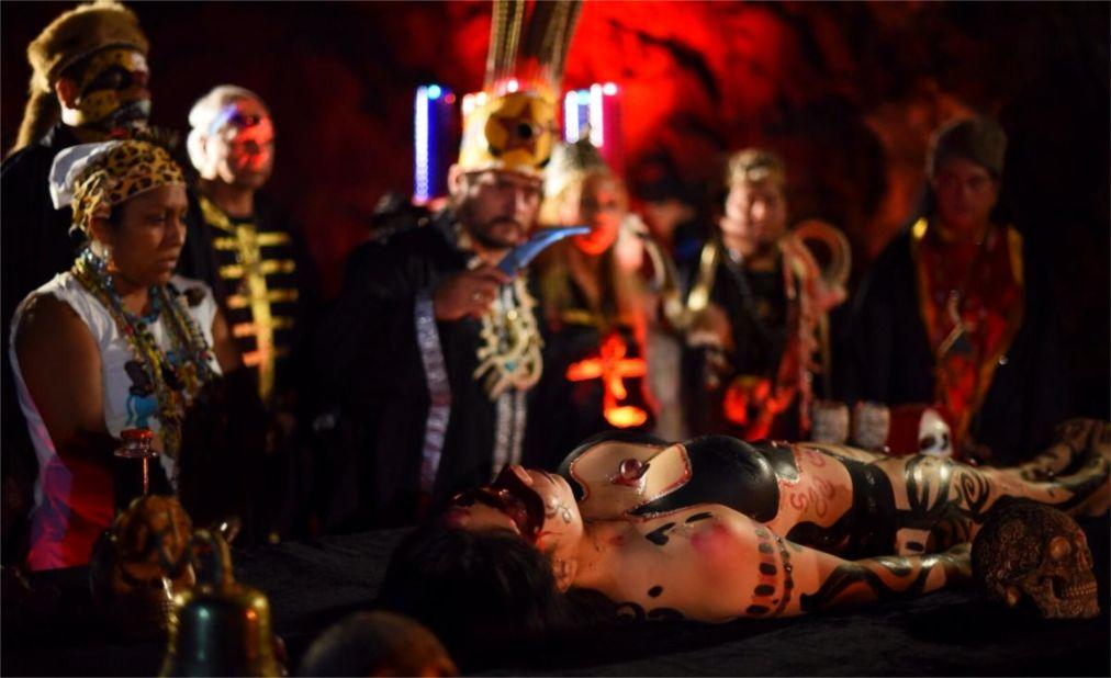 Фестиваль «Ночь ведьм» в Катемако 0d772005a160efced07e6ce5297a116d.jpg