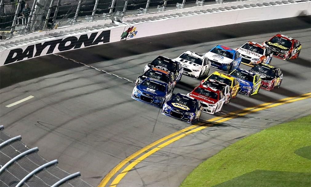 Автомобильная гонка «Daytona 500» в Дейтона-Бич 0eae8f7fd6aec0159a103a98dcc8802c.jpg