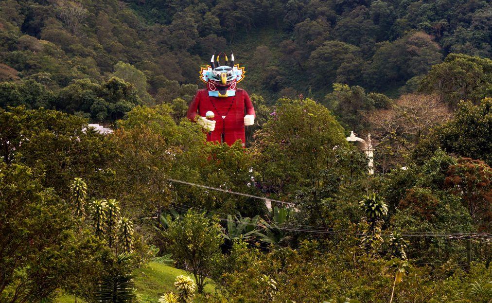 Праздник танцующих дьяволов в Сан-Франсиско-де-Яре 0f0cf311071f3428be71bd28ba6f5d4b.jpg