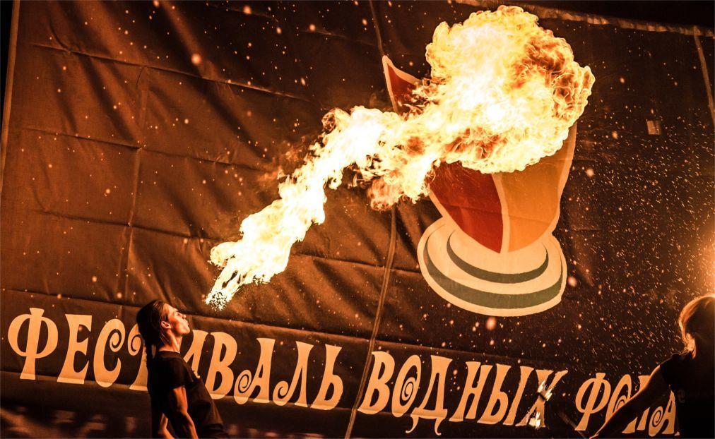 Фестиваль водных фонариков в Санкт-Петербурге 110e0a1bd3f195c9cecad0ac0a085802.jpg