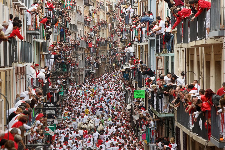 Фестиваль Сан-Фермин в Памплоне 1303407d8bb6f2cbbb4e07518592739a.jpg