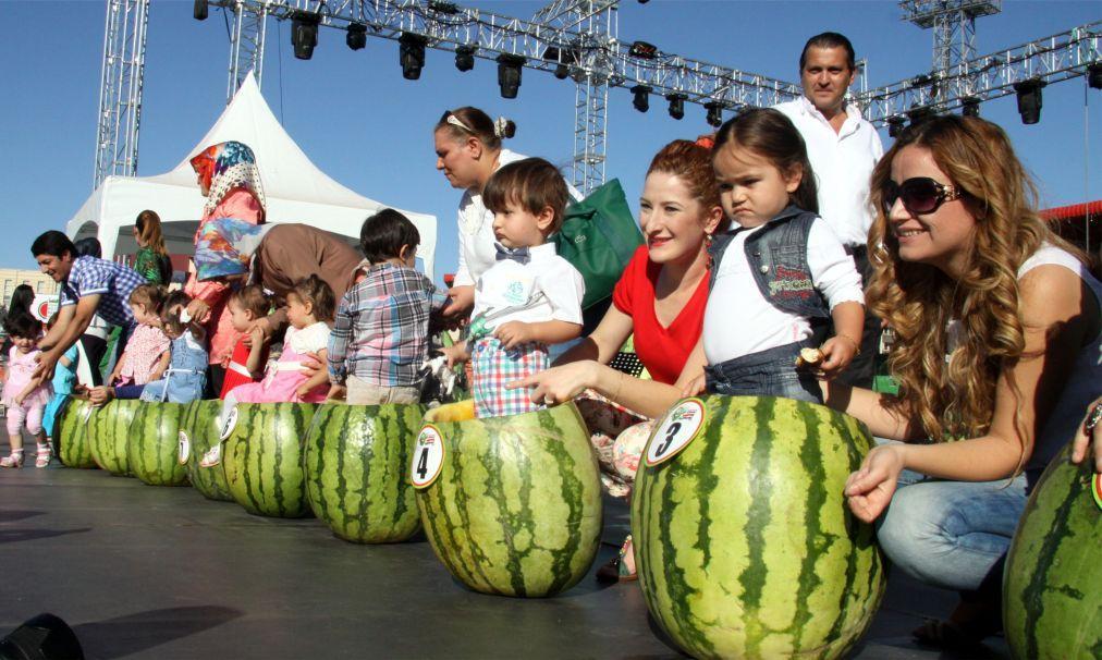 Фестиваль арбуза в Диярбакыре 13917b0a5b4c091c74179356e28beee3.jpg