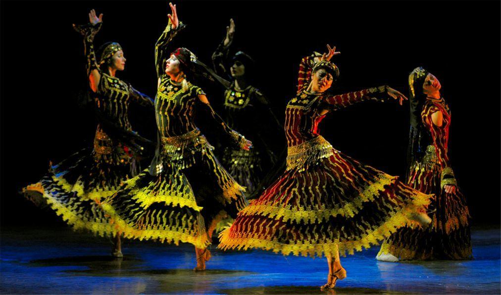Театральный фестиваль «Каракалла» в Риме 15f888323745c9ab7494280f55355367.jpg