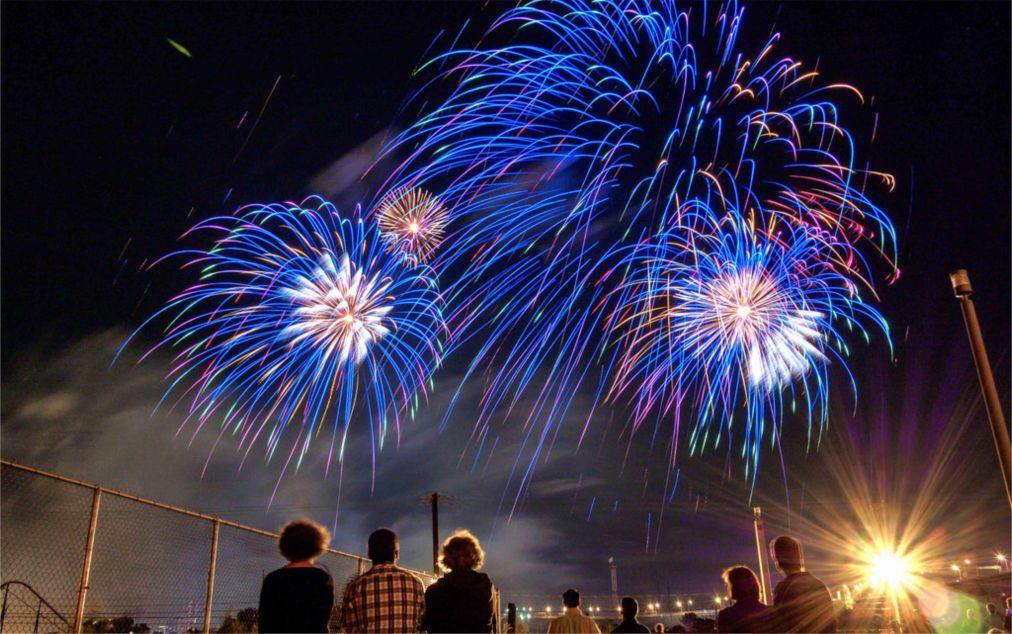 Международный фестиваль фейерверков в Монреале 16ed85ca70bdc55d9cfc54d460373b36.jpg