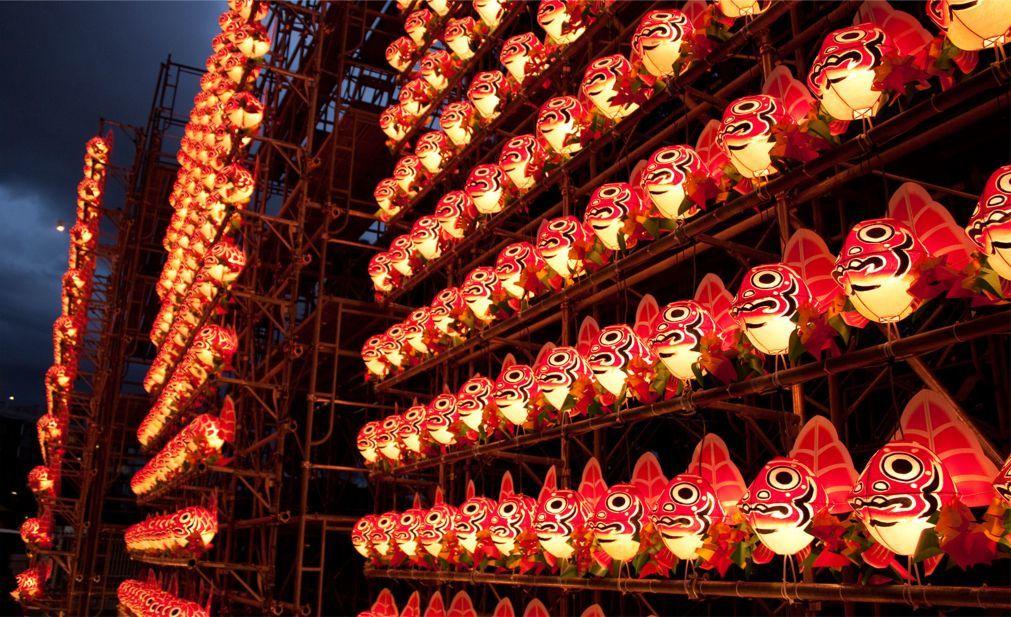 Фестиваль фонарей Небута Мацури в Аомори 17a742393d5fa882bbf127f50a238d0a.jpg