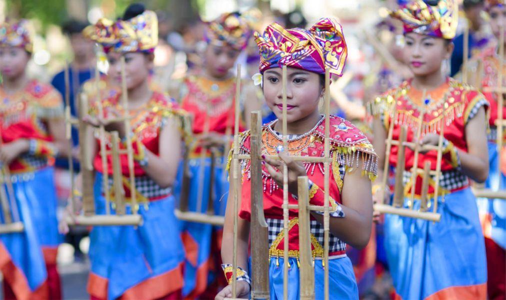 Фестиваль искусств Бали в Денпасаре 17b57417206e42bc0266929f840621ac.jpg