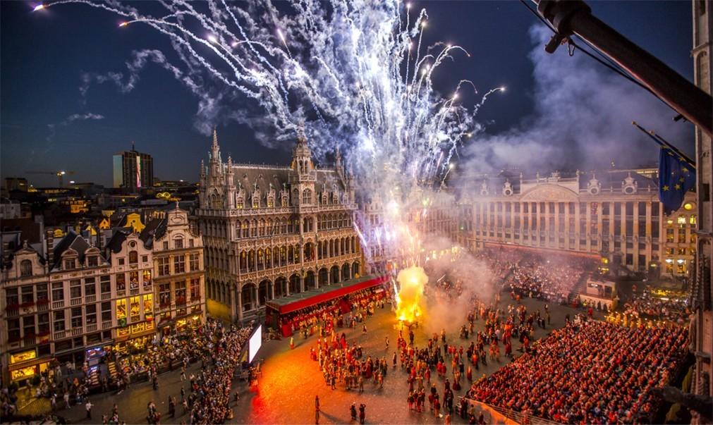 Историческое шествие «Оммеганг» в Брюсселе 187fa3954eec2c0aadee728b31f26a6d.jpg