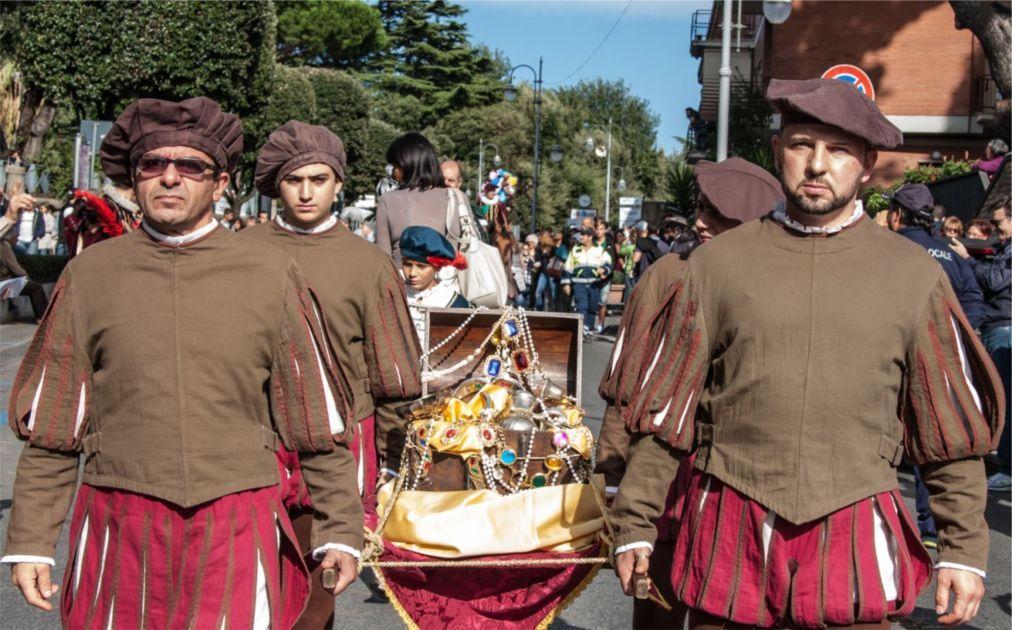 Праздник вина Sagra dell'Uva в Марино 19c6fa5e50e7cd0c491d6e1723c7c85a.jpg