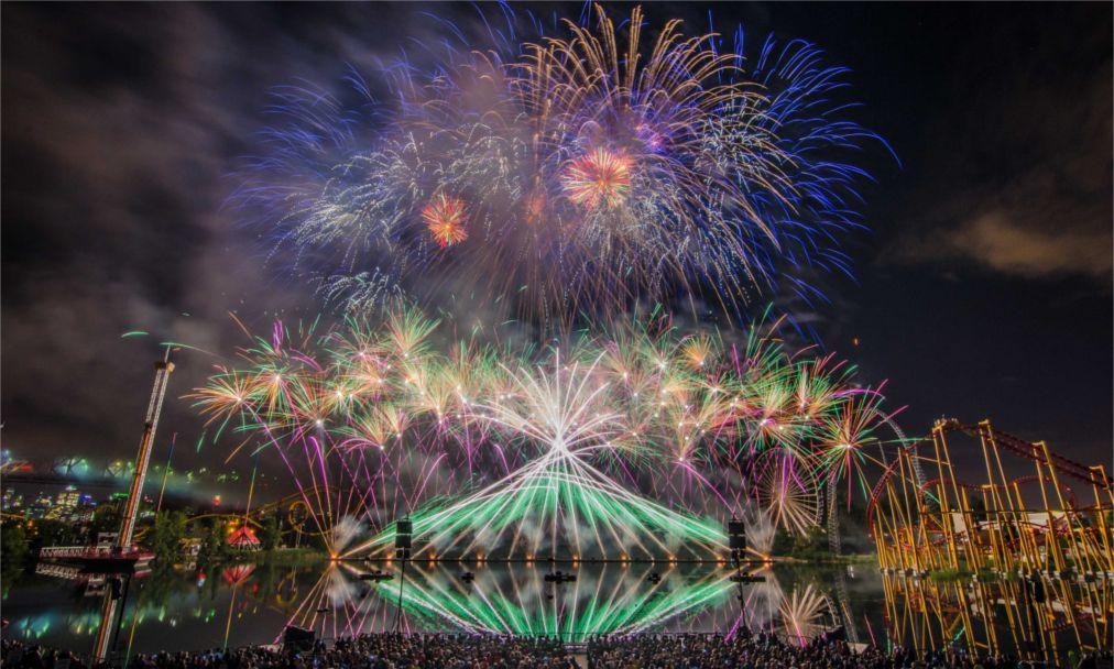 Международный фестиваль фейерверков в Монреале 1a1e6ae7763d3c6c943eff4059efac47.jpg
