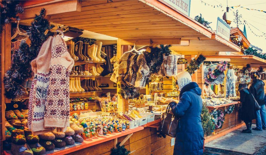 Рождественская ГУМ-ярмарка на Красной площади в Москве 1a9c19d5408d25d424d8513886a8fc9d.jpg