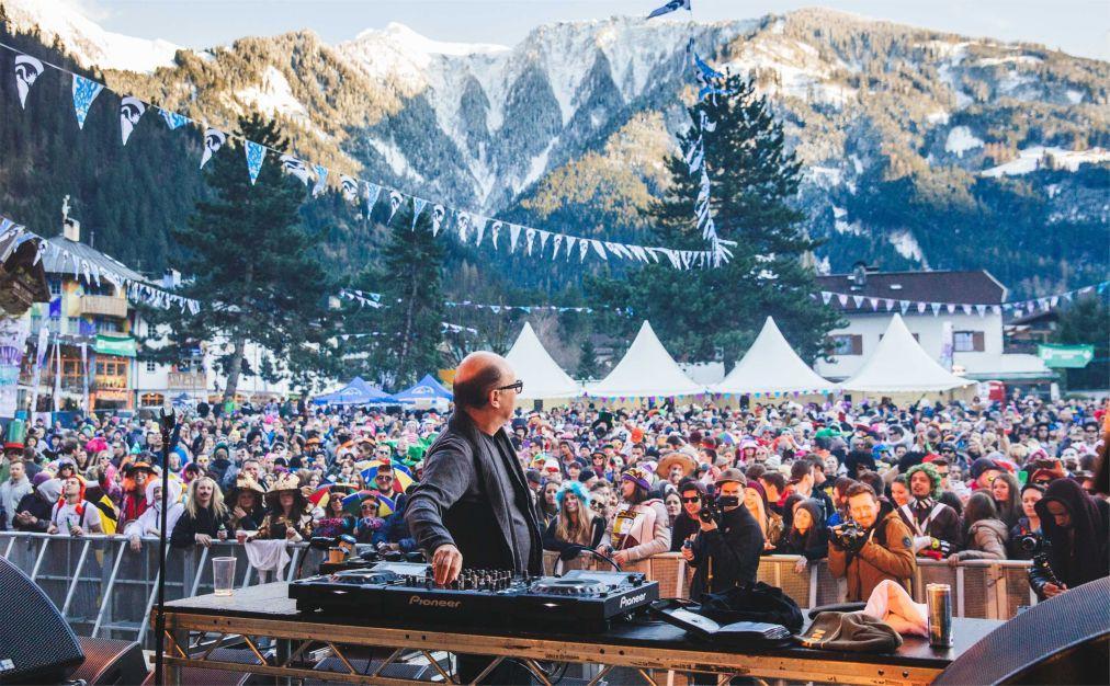 Фестиваль Snowbombing в Майрхофене 1abc20f978b5ea015bb89feb9e06f32f.jpg