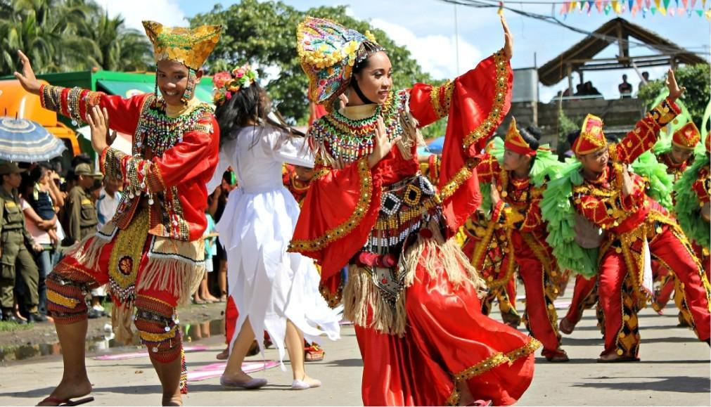 Фестиваль лонгконга в Мамбахао 1b54c747755ca64f88c6d4cdb62260ae.jpg