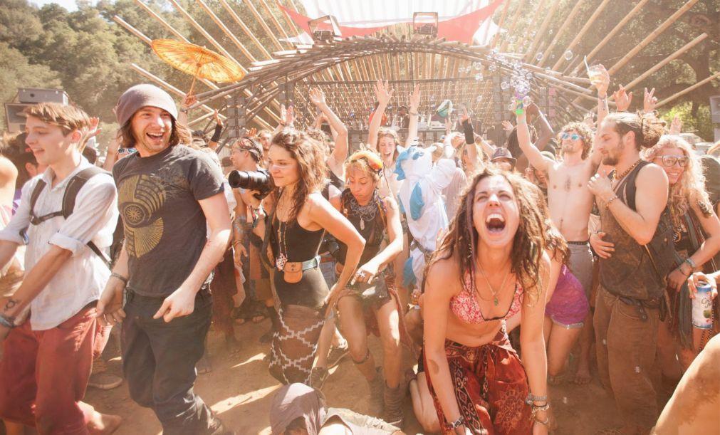 Музыкальный фестиваль Lucidity в Санта-Барбаре 1cfdfa9d028000e036e4fd9c11a26d7f.jpg