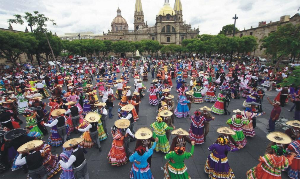 Международный фестиваль мариачи в Гвадалахаре 1fd5a18bdc0c2fec47f6b2694222b875.jpg
