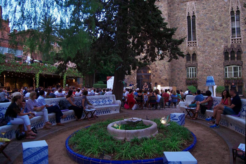 Фестиваль «Ночи Гауди» в Барселоне 21324643401664b5333251df70fcc4b6.jpg